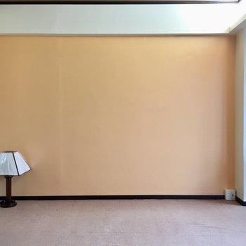 淡いオレンジが雰囲気にぴったりマッチ(※写真は10階の反転間取り別部屋のものです)