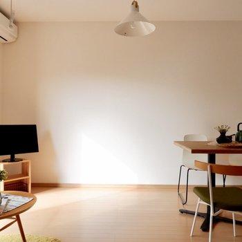 【LDK】大きなテレビなども置けそうです※家具・雑貨はサンプルです