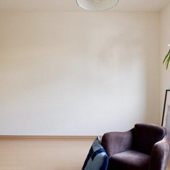 【洋室7.2帖】ダブルベッドも置けます※家具・雑貨はサンプルです