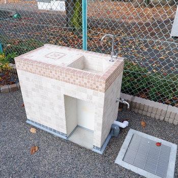 遊具などを洗う手洗い場もあります