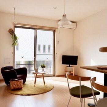 【LDK】ダイニングテーブルはキッチン前がよさそう※家具・雑貨はサンプルです