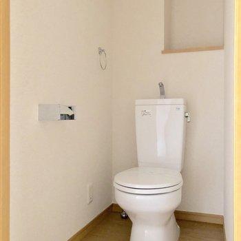 そのお隣にはトイレがあります※写真は通電前のものです