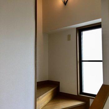 【4F】5階へ。