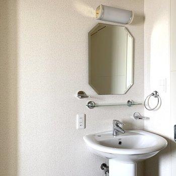 なんて美しい洗面スペース!(※写真は12階の同間取り別部屋のものです)