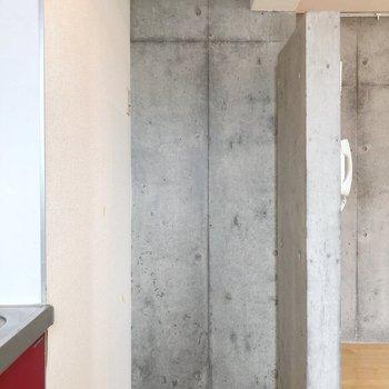 冷蔵庫はお隣に