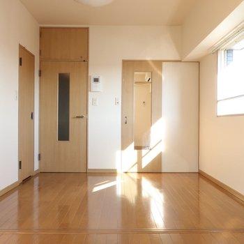 ヒカリの帯がキラキラ★(※写真は12階の同間取り、角部屋のものです)
