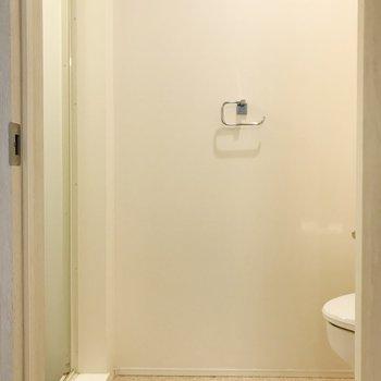 トイレ兼、脱衣所に。ワゴンも置けそう。 ※写真は前回募集時のものです