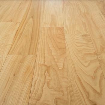 床材】鉄道の枕木にも使用されるしっかりとした天然の無垢床材