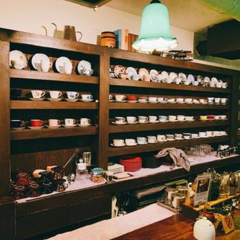 【近隣オススメスポット】喫茶店「ダンケ」はファンも多いんだとか。都会のオアシス的な隠れ家カフェです。