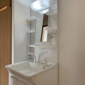 【工事前】洗面台は廊下にあります!
