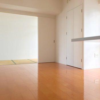 和室は4畳、引き戸で仕切れます。