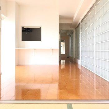 畳と格子の壁が存在感を放つお部屋。