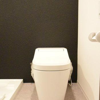 トイレや洗面台は同じ空間に