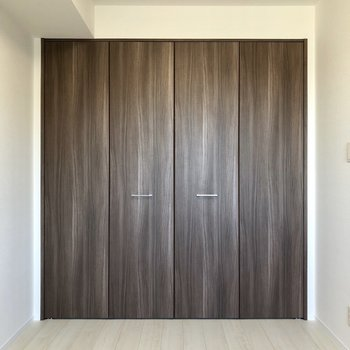 【洋室】大きな扉の正体は…