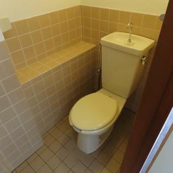 トイレはレトロな感じ