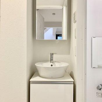 洗面所は地下室に。※ 写真は前回募集時のものです
