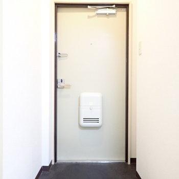 シューズボックスをつくりましょう!※写真と文章は3階同間取り別部屋のものです。細部は異なることがあります。