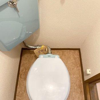 シンプルだけど個性的なトイレ。