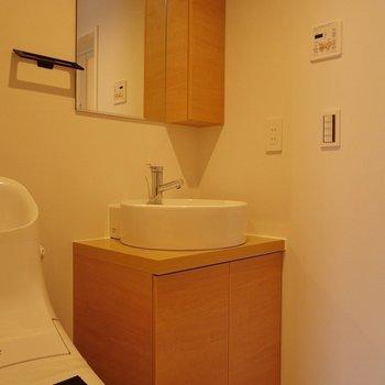 フォルムがかわいい洗面台!※写真は同タイプ1階のお部屋
