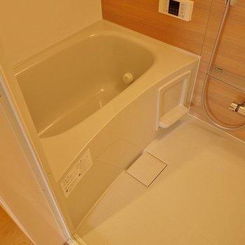 十分な広さのお風呂◎※写真は同タイプ1階のお部屋