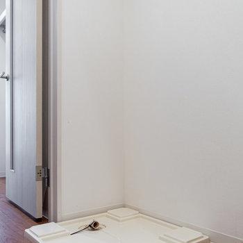 冷蔵庫と洗濯機は廊下側に設置可能。