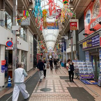 商店街は全長約800m、かなりのお店が揃ってます。