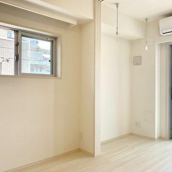 2面採光の空間です※写真は3階の同間取り別部屋のものです