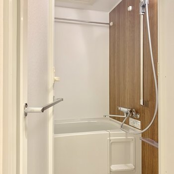 ホテルライクな浴室※写真は3階の同間取り別部屋のものです