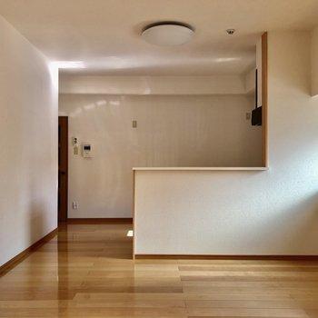 大きな対面式のキッチン!お部屋全体を見渡せます。