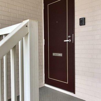 2階には2部屋のみ。お隣さんと仲良くなりそう!