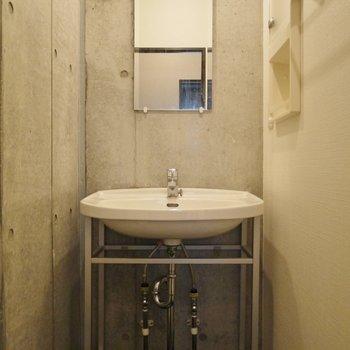 個性派洗面台!!※写真は同タイプの別室。