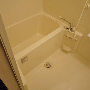 お風呂もまだまだキレイ★※写真は同タイプの別室。