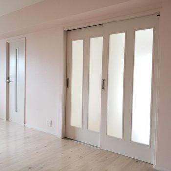この扉の先はそれぞれ個室になっています