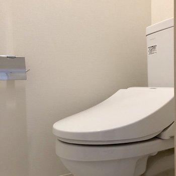 廊下左の扉の先にはトイレがありました