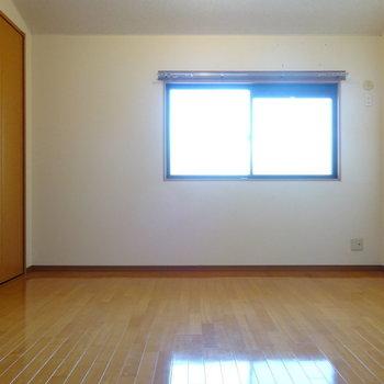 窓もちゃんとあります◎(※写真は2階の同間取り別部屋のものです)