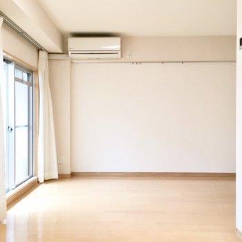 広さがあるので、家具で区切るようにしてもおもしろいかも