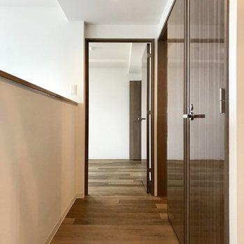 ここ、廊下。