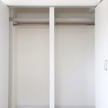 【Bedroom】クローゼットは2つ隣り合わせで