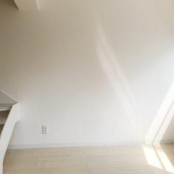 【2F】階段に腰掛けたくなりますね