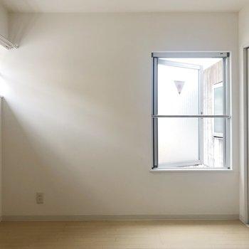 【Bedroom】二面採光ですね