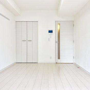 お部屋が真っ白。