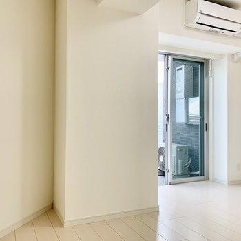 お部屋が真っ白〜 ※写真は5階の同間取り別部屋のものです
