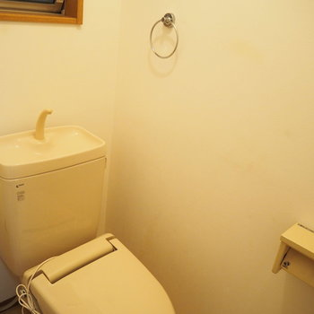 暖房便座付きトイレです