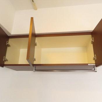 魅せる収納と小さな棚も※写真は8階の反転間取り別部屋のものです。