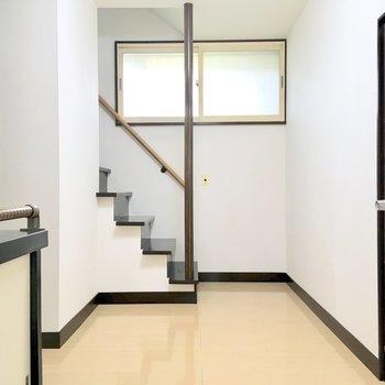 さて、2階のお部屋を見に行きましょう。