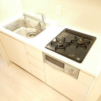 調理スペースはシンクの上も使うといいですね。(※写真は10階の同間取り別部屋のものです)
