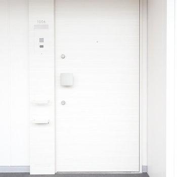 扉が優しい雰囲気。(※写真は10階の同間取り別部屋のものです)