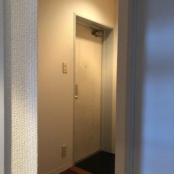 玄関も十分な広さがありますよ。