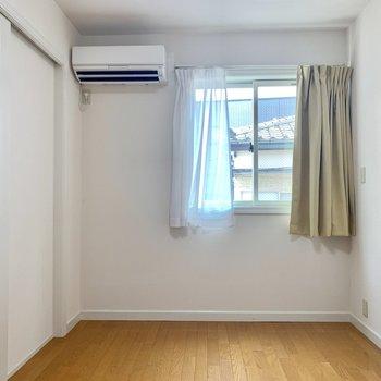 【洋室】ここは寝室かな※写真は前回募集時のものです