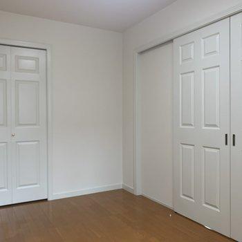 【洋室】ドアがお姫様っぽいですよね※写真は前回募集時のものです